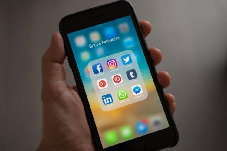 reseaux sociaux journaliste