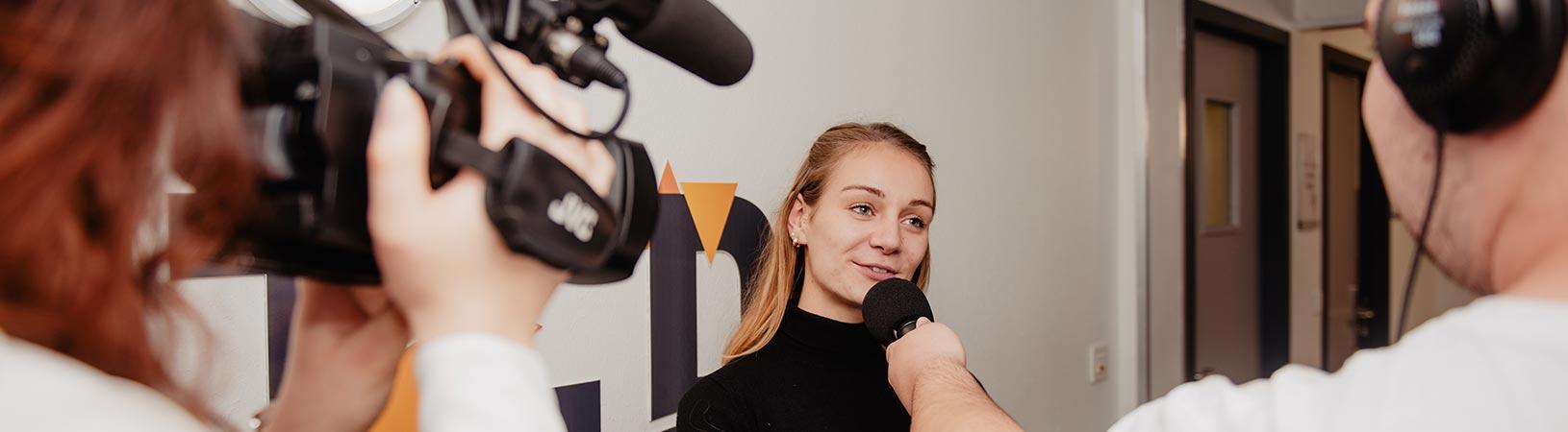 Fiche métier journaliste reporter d'images, ISCPA Ecole de journalisme